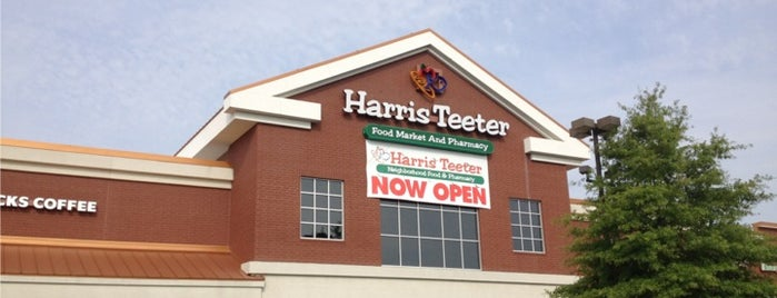 Harris Teeter is one of Alfredoさんのお気に入りスポット.