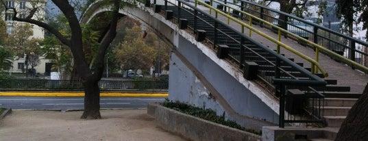 Puente Peatonal Condell is one of Lugares, plazas y barrios de Santiago de Chile.