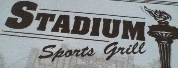 Stadium Sports Grill is one of Locais curtidos por Katie.