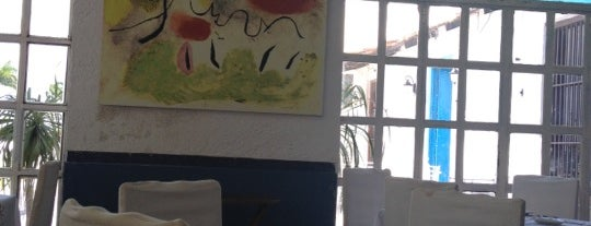 Chez Fernando is one of สถานที่ที่ Andy ถูกใจ.