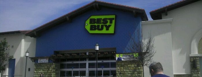 Best Buy is one of Locais curtidos por Manolo.