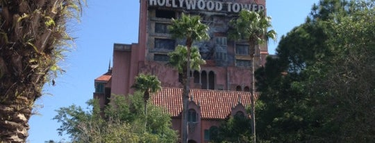 The Twilight Zone Tower of Terror is one of Lugares favoritos de Héctor.