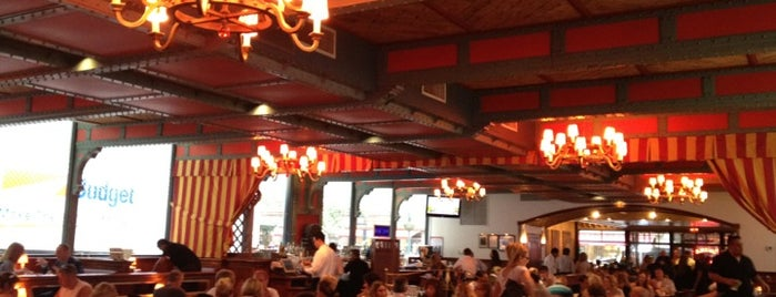 Pershing Square Café is one of Nolfo NYC Foodie Spots.
