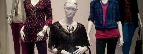EZ Studios is one of NY Fashion Weeks 7-14 Feb 2013 (inactive).