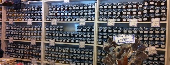 Delicatessen Huerto Azul is one of Marioさんの保存済みスポット.