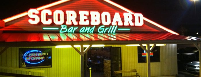 Scoreboard Bar & Grill is one of Lisa 님이 좋아한 장소.