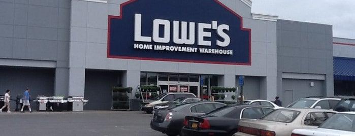 Lowe's is one of Rossana 님이 좋아한 장소.