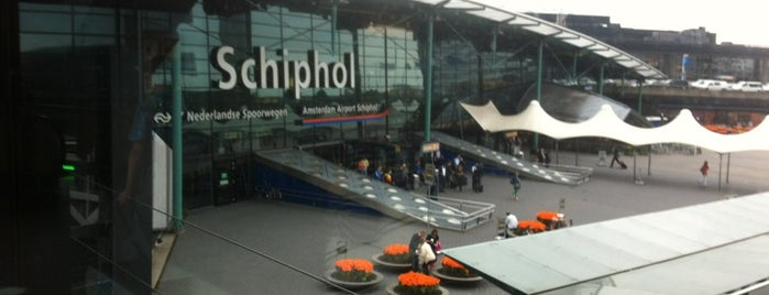 Aeroporto de Amesterdão Schiphol (AMS) is one of Airports Visited.
