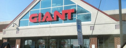 Giant is one of Jessicaさんのお気に入りスポット.