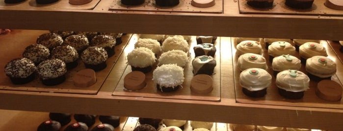 Sprinkles Cupcakes is one of Andy 님이 좋아한 장소.