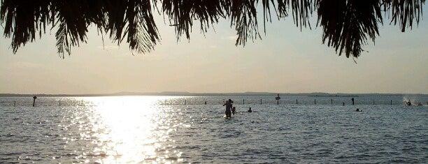 Praia do Prata is one of comida baiana.