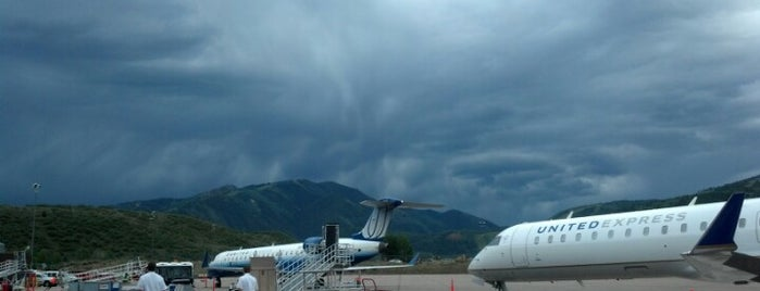 Aspen/Pitkin County Airport (ASE) is one of Free WiFi Airports 2.