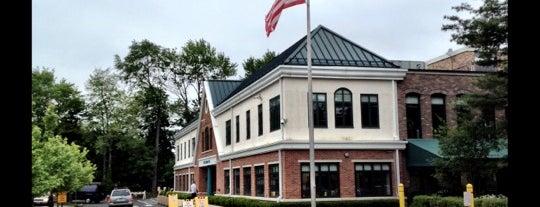 New Canaan YMCA is one of Tempat yang Disukai Tobias.