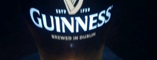 Logan's Irish Pub is one of FT6.
