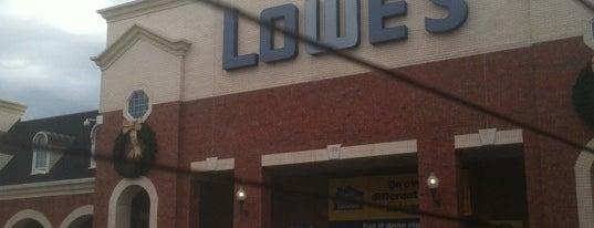 Lowe's is one of Posti che sono piaciuti a Chuck.
