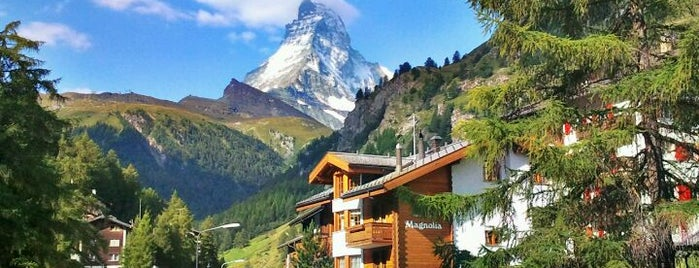 Zermatt is one of Locais curtidos por Jus.
