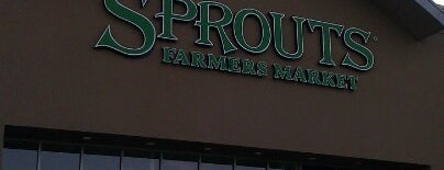 Sprouts Farmers Market is one of Locais curtidos por Hiroshi ♛.