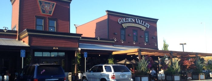 Golden Valley Brewery & Pub is one of Tempat yang Disukai Darin.