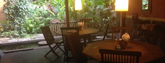 Warung Taman Bambu is one of Virginie'nin Kaydettiği Mekanlar.