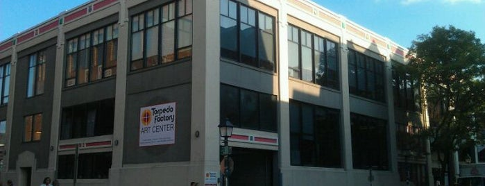 Torpedo Factory Art Center is one of District of Art.