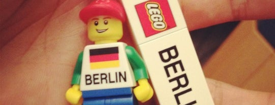 Lego Store is one of Berlin with Kids.