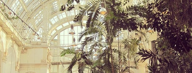 Palmenhaus is one of Vienna by Fotostrasse.
