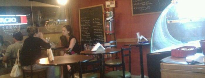 Maia Café Gourmet is one of Locais salvos de Tasha.