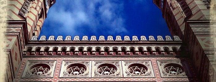 Dohány utcai zsinagóga is one of Must Do's in Budapest.
