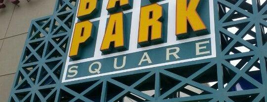 Bay Park Square is one of Lugares guardados de Fernando.