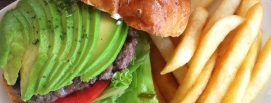 SASA GRILL BURGER CLUB is one of Locais salvos de QK.