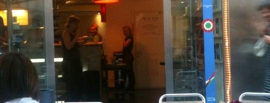 Mood Libri & Caffè 2 is one of Julian 님이 저장한 장소.