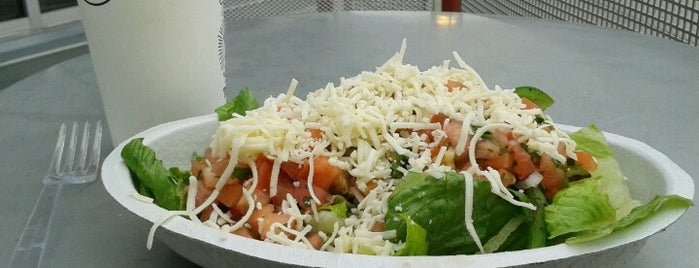 Chipotle Mexican Grill is one of Orte, die JCakes❤ gefallen.
