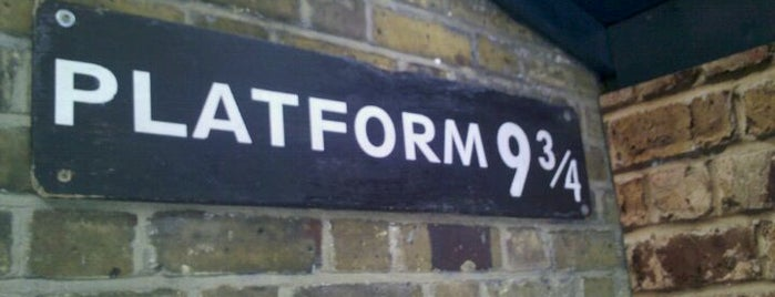 Platform 9¾ is one of Stuff I want to see and redo in London.