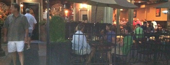 Brewbaker's Restaurant is one of Lugares favoritos de Ashley.