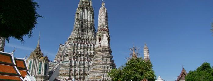 왓 아룬갓차와라람 is one of Rob & Bec Visit Bangkok.