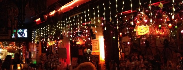 Rosemary's Greenpoint Tavern is one of NYC Bars.
