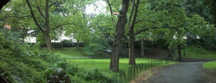 Central Park - 65th Street Transverse is one of Travel Bucket List.