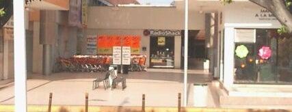 Plaza Tepeyac is one of Centros Comerciales Guadalajara.