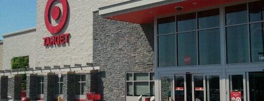 Target is one of Orte, die Lauren gefallen.