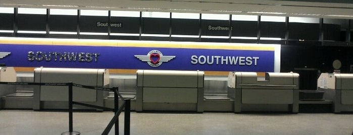 Southwest Airlines Ticket Counter is one of Lugares favoritos de Zachary.