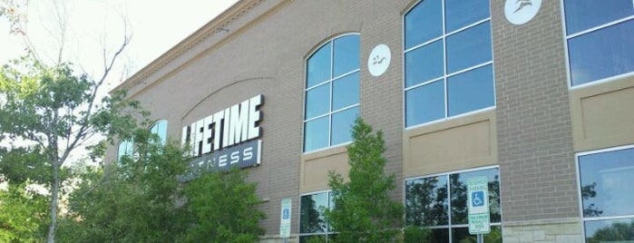 Life Time Fitness is one of Lugares favoritos de Kyle.