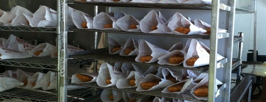 Arbuckle Fried Pies is one of Lugares guardados de Kat.