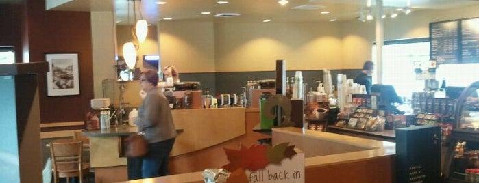 Starbucks is one of Tempat yang Disukai Josh.