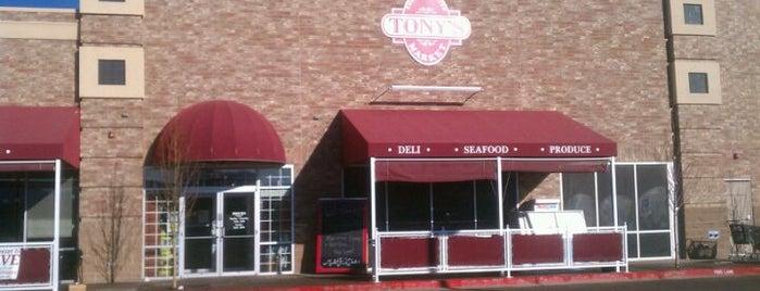 Tony's Market is one of Tempat yang Disukai Marie.