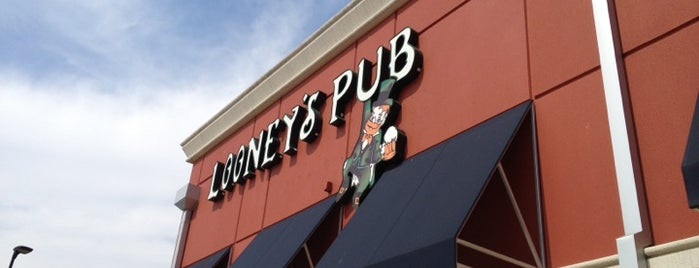 Looney's Pub is one of CeCe's Places.