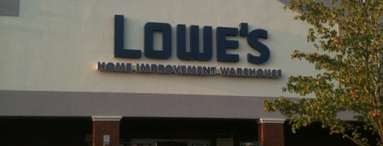 Lowe's is one of Karenさんのお気に入りスポット.