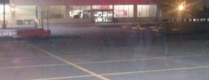 The Home Depot is one of Orte, die Tim gefallen.
