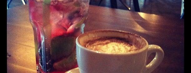 Кофе Хауз / Coffee House is one of Sonyaさんのお気に入りスポット.
