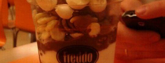 Freddo is one of Comí en:.