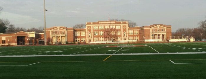 Dumont High School is one of Lugares guardados de NY Waterway.